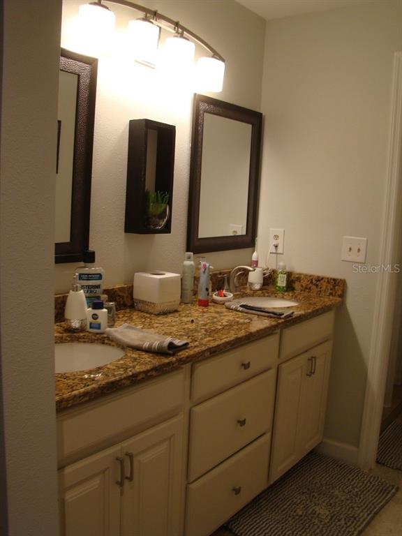 Master Bath - Villa for sale at 3008 Ringwood Mdw #5, Sarasota, FL 34235 - MLS Number is A4443322