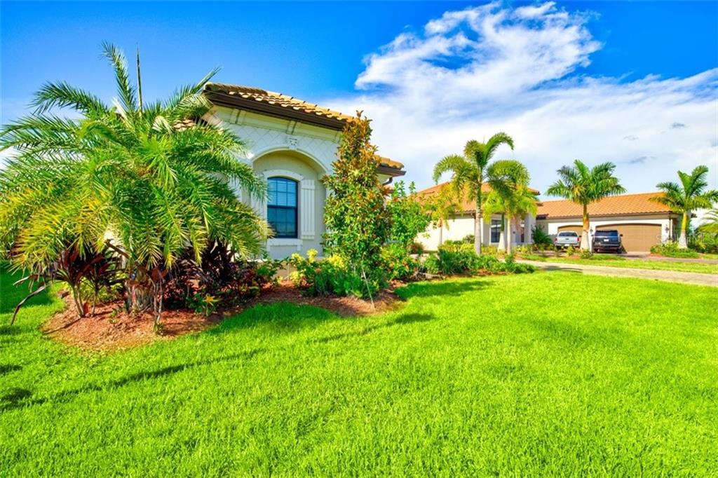 Single Family Home for sale at 8915 Rum Runner Pl, Bradenton, FL 34212 - MLS Number is A4443382