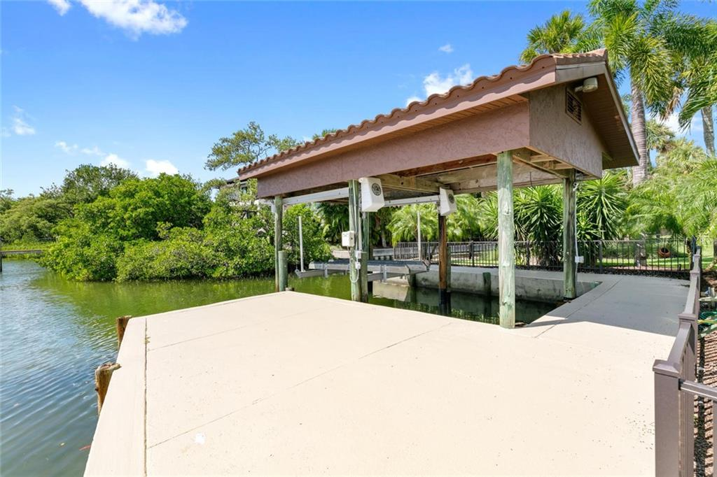 Single Family Home for sale at 684 Freeling Dr, Sarasota, FL 34242 - MLS Number is A4448736