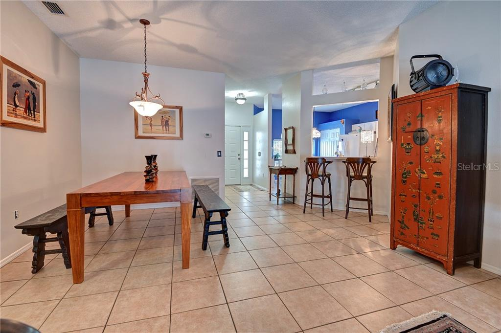 Single Family Home for sale at 12258 Hollybush Ter, Lakewood Ranch, FL 34202 - MLS Number is A4449117