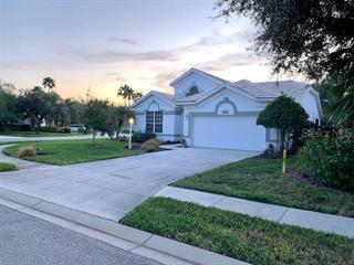 8424 Whispering Woods Ct, Lakewood Ranch, FL 34202