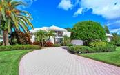 8908 Grey Oaks Ave, Sarasota, FL 34238